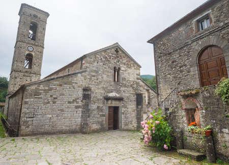massa: Codiponte (Massa e Carrara, Tuscany, Italy), old village in Lunigiana: the medieval church of Saints Cornelio and Cipriano, built in 12th century