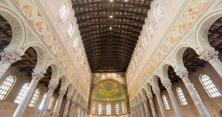 wood pillars: S. Apollinare in Classe (Ravenna, Emilia-Romagna, Italy): interior of the medieval church, with mosaics