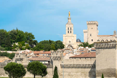 vaucluse: Avignon (Vaucluse, Provence-Alpes-Cote dAzur, France): the medieval city and its walls