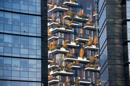 bosco: Milan (Lombardy, Italy): modern building in the Gae Aulenti square. Bosco verticale (Vertical Woods)
