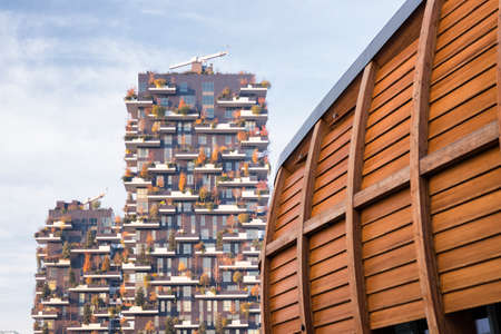bosco: Milan (Lombardy, Italy): modern buildings in the Gae Aulenti square. Bosco verticale (Vertical Woods)