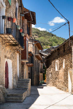 catalunya: La Parroquia dHorto (Catalunya, Spain): old typical village in the Pyrenees Stock Photo