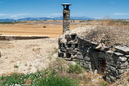 zaragoza: Almudevar (Aragon, Spain): las bodegas, typical old stone houses