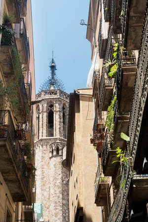 catalunya: Barcelona (Catalunya, Spain): historic buildings in the gothic quarter Stock Photo