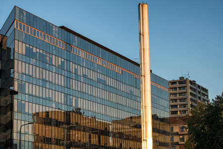 torri: Milan (Lombardy, Italy): modern glass building along via Domodossola, near Citylife (Tre Torri)