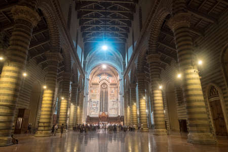 Orvieto (Terni, Umbria, Italy): interior of the historic cathedral, or Duomo, by night. A concert rehearsal 報道画像