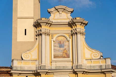 San Giuliano Milanese, Milan, Lombardy, Italy: facade of historic church 免版税图像