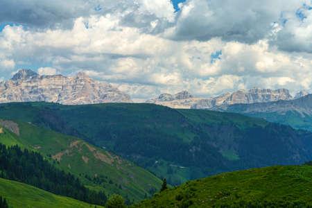 Mountain landscape at summer along the road to Pordoi pass, Dolomites, Belluno province, Veneto, Italy Stockfoto