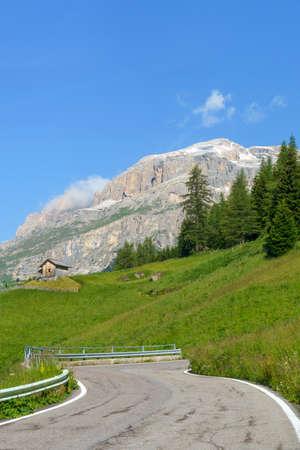 Mountain landscape at summer along the road to Campolongo pass, Dolomites, Belluno province, Veneto, Italy Stockfoto