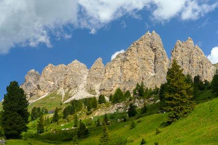 Mountain landscape at summer along the road to Gardena pass, Dolomites, Bolzano province, Trentino Alto Adige, Italy Stockfoto