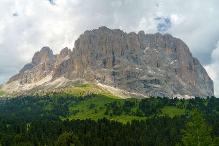 Mountain landscape at summer along the road to Sella pass, Dolomites, Bolzano province, Trentino Alto Adige, Italy Stockfoto