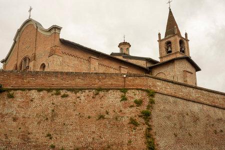 Exterior of the historic San Felice church at Oviglio, Alessandria province, Monferrato, Piedmont, Italy Archivio Fotografico