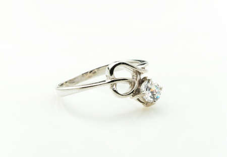 zafiro: sapphire ring on white background