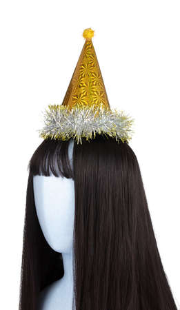 Yellow of party hat on mannequin head isolated on white background Banque d'images