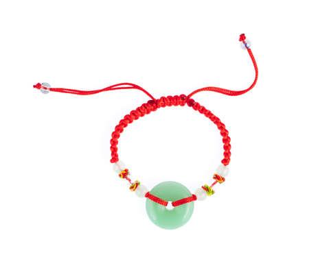 Lucky Red Thread Armbänder für Frauen Chinesische Antik isoliert auf weißem Hintergrund