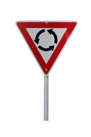 Rotonde Warning Registreren voor rechts verkeer (reflectief). Isolated on white.