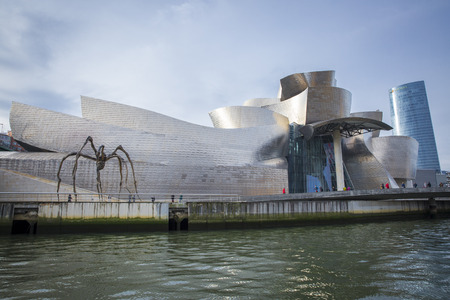 bilbo: Bilbao, Spain - January 30, 2016: view of modern and contemporary art Guggenheim Museum, designed by American architect Frank Gehry and inaugurated in October 1997. Editorial