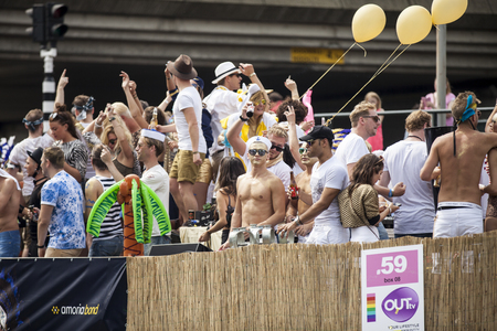 nederland: Amsterdam, Netherlands - August 1, 2015: participants in the annual event for the protection of human rights and civil equality - Gay Pride Parade on the Prinsengracht, Amsterdam