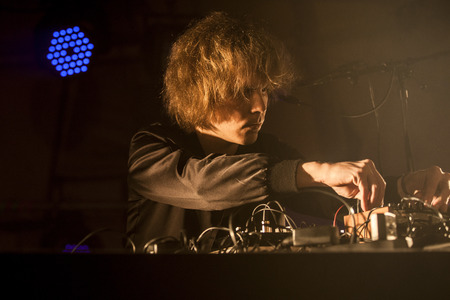 electronica musica: Traena, Norway - July 9 2015: Finnish electronic music artist Long Sam at the Traenafestival, music festival taking place on the small island of Traena