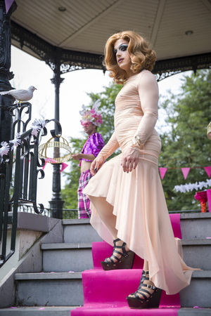 identidad cultural: Amsterdam, the Netherlands - July23, 2016: Drag queen at Pink Saturday Gay Euro Pride celebrations in Vondelpark