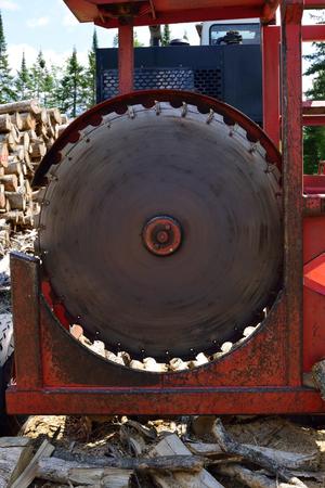 kerf: Circular Log Slashing Saw