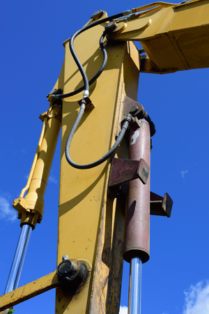 cilindro: Cilindro hidráulico de la excavadora Brazo Foto de archivo