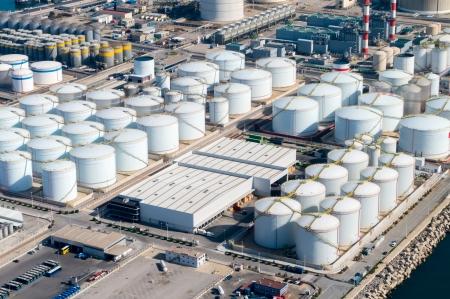 Aerial view of petrol industrial zone Standard-Bild