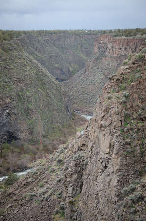 crooked: The crooked river winding through a gorge Stock Photo