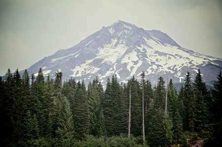 mount hood: A profile landscape shot of Mount Hood