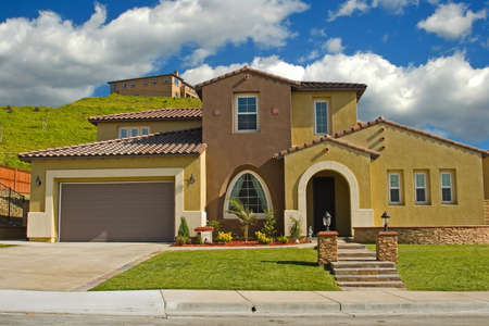 A new modern luxury home awaits a new Stock Photo - 2016746