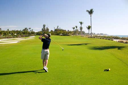 選手との穴のゴルフコース リゾート シーン