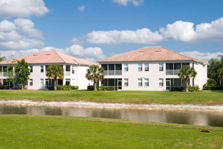 retirement community: Retirement community condos on a resort golf course