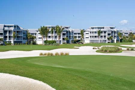 退職のコミュニティのコンドミニアム リゾート ゴルフ コース