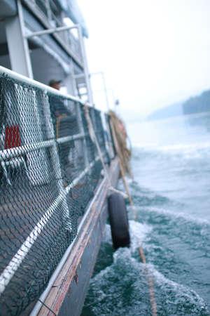 een zijaanzicht van de boot Stockfoto