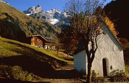 traditional climbing: Small chapel in the austrian mountains