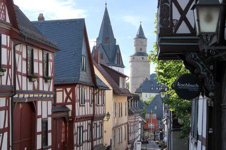 hessen: Altstadtgasse in Idstein im Taunus, Hessen