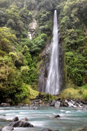Thunder Creek Falls, Westland-Nationalpark, S�dinsel,  Neuseeland photo