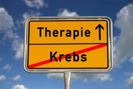 ulceras: De carreteras alemana signo de C�ncer y la terapia con el cielo azul y nubes blancas