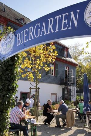 Typisch bayerischen Biergarten