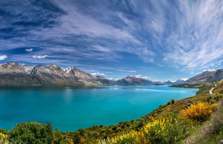 jezior: Lake Wakatipu between Queentown and Glenorchy, Otago, South island,  New Zealand