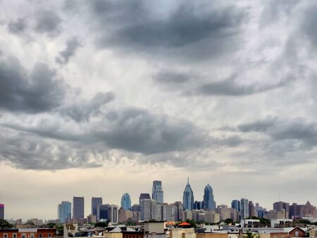 A stormy, dramatic look at the Philadelphia skyline. Banco de Imagens