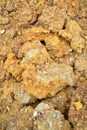 sand mold: laterite ground