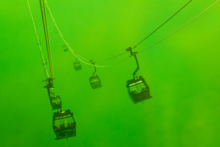 Silhouette Cable Cars in fog Banque d'images