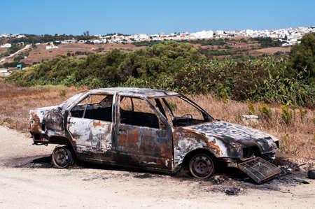 verlaten, gestolen uit verbrande auto
