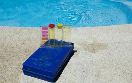 Swimming pool water testing kit Standard-Bild