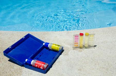 Test kit voor zwembadwater