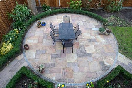 Gartenterrasse Standard-Bild