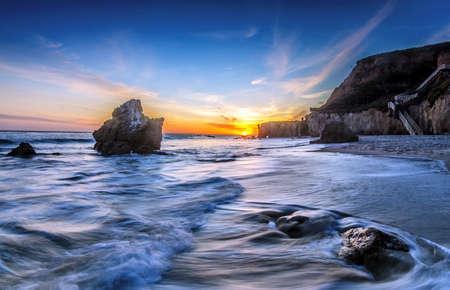 el: El Matador Beach