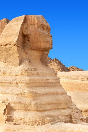 esfinge: La Esfinge en Giza, Egipto.