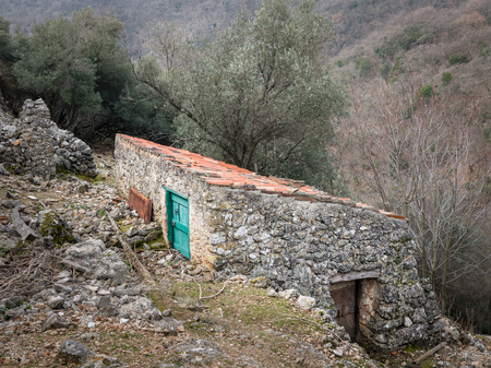 Old stone house, shed for sheep in Beli (Island Cres, Croatia) Фото со стока